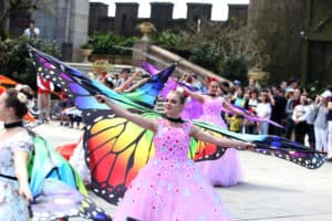 """FLOWER FAIRIES"" DESCEND ON EARTH AND HOLD VISITORS IN SUN WORLD BA NA HILLS UNDER THE SPELLBOUND"