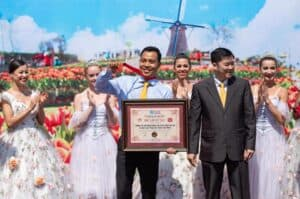 "Sun World Ba Na Hills set record ""Largest tulip festival of Vietnam"""